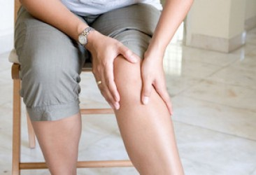 PAIN IN KNEES? TRY TO RETURN THE MOBILITY OF THE KNEE JOINTS