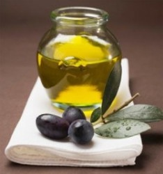 FROM WHAT MAKES OLIVE OIL